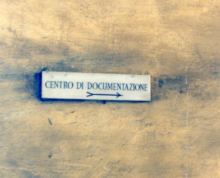 1953 Centro di documentazione, targa