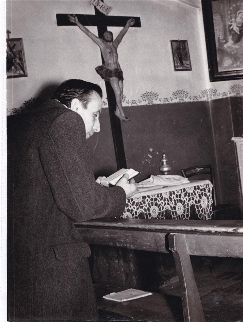 1955 Dossetti nella Cappella di via del Lavoro (Marella)