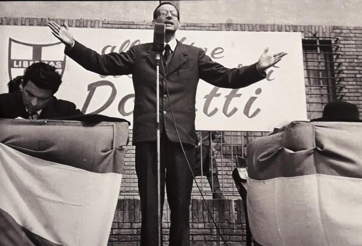1956-comizio-Dossetti-a-Bologna