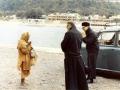 1968 12 26 con don Umberto N. sulle rive del Gange