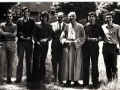 1974 08 - foto di gruppo dietro casa S. Maria - Monteveglio